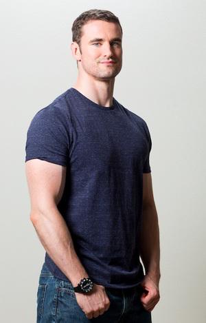 sean hyson build muscle lose fat